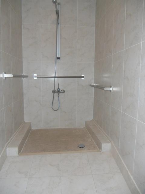 Сделать ванную для инвалидов